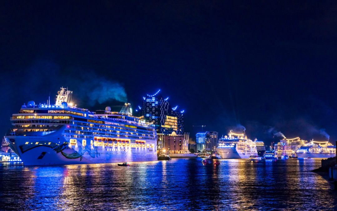 The spectacular cruise ship sailings